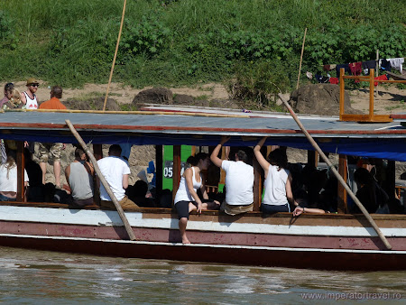 Transport Laos: public boat Luang Prabang - Thailand