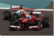 Alonso precede una Force India nel gran premio del Bahrain 2013