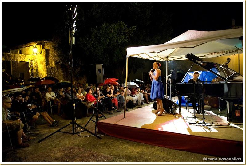 Susana Sheiman i Ignasi Terraza, protegits de la pluja a la Torre-Ramona 2012