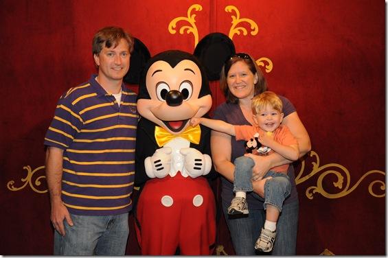 2012-11  Family & Mickey  41687690268