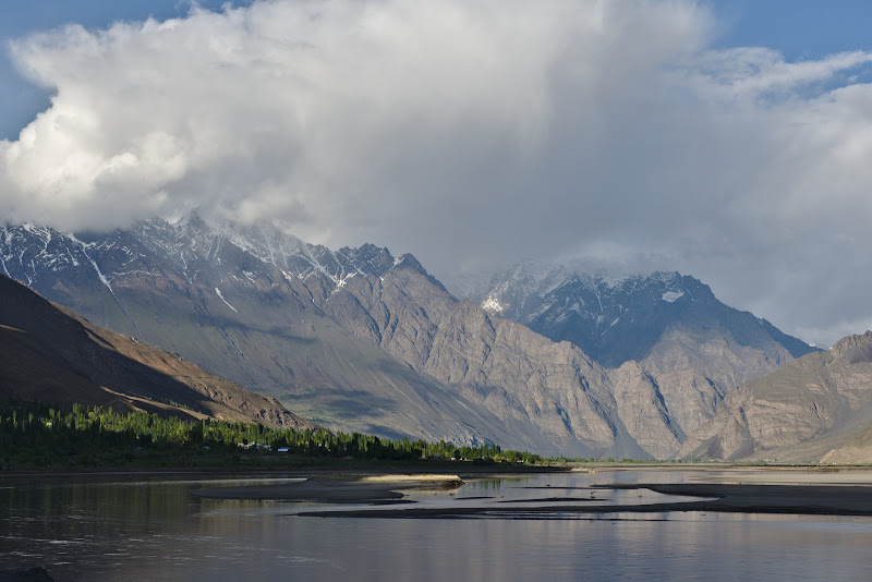 Si partea Tadjika