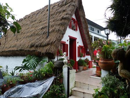 Obiective turistice Madeira: casa traditionala Madeira