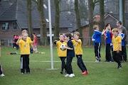 Schoolkorfbaltoernooi ochtend 17-4-2013 191.JPG