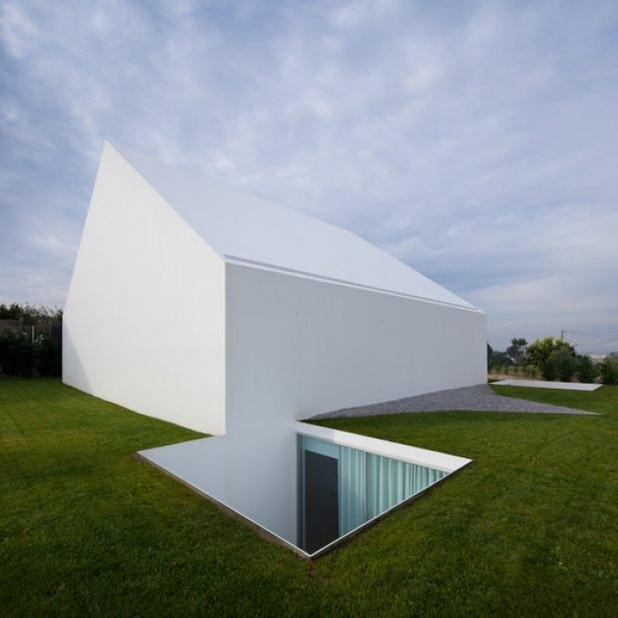 house in leiria by aires mateus 3
