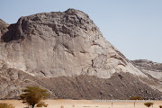 The area near Markha Shabwa is littered with granite domes full of climbing potential.