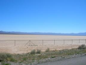 049 - Desierto entre California y Nevada.JPG