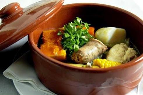 El gourmet urbano 25 de mayo mesa criolla platos for Comida vanguardia