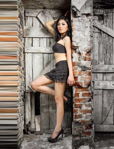 Foto Hot Seksi Bugil Model Ayu Aulia