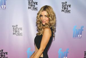 Joanna Krupa Friends N Family 17th Pre Grammy Party LA_012414_2.jpg