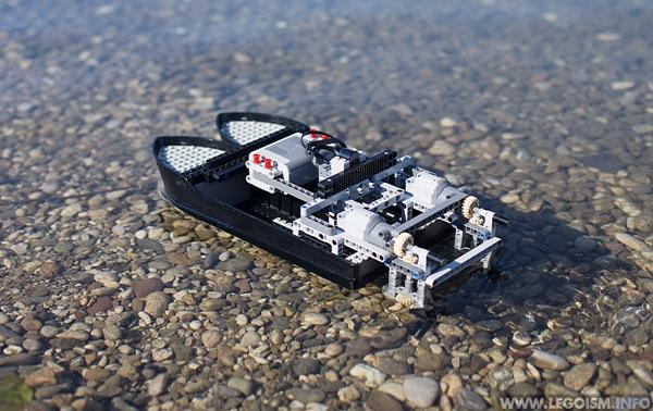 Lego_Catamaran_Boat_Legoism5