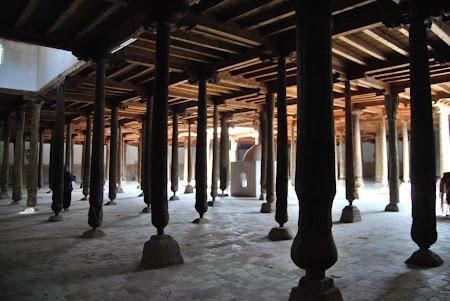 Obiective turistice Uzbekistan: Juma Mosque Khiva