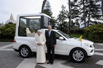 Mercedes-ML-PopeMobile-1