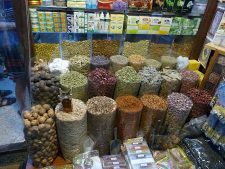 mirodenii in bazar Dubai