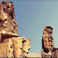 29.- Colosos de Memnon