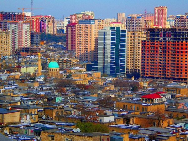 800px Colourful development in Baku