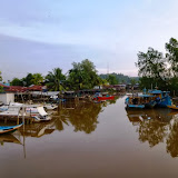 写真9: ヴァイ・スガンの人が住むビンツル町上流のカンポン・バル / Photo9: Kampung Baru, a Vaie Segan community located at the upper part of Bintulu
