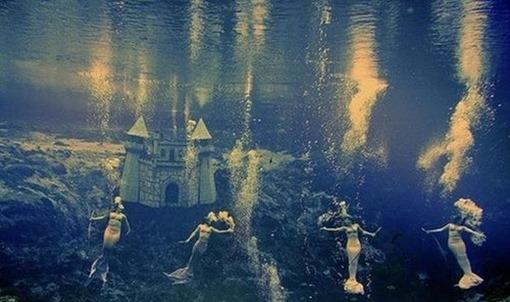 inspirated-mermaid-surreal-underwater-vintage-Favim_com-42438