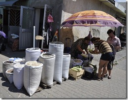 033-Moukatchevo- marché exterieur