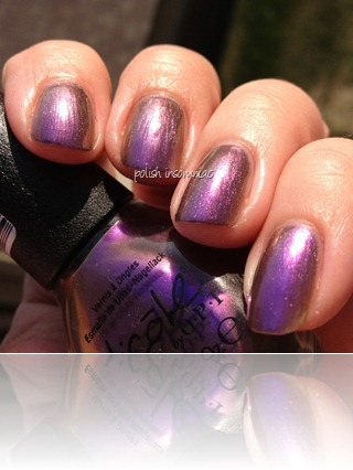 Nicole by OPI Iris My Case