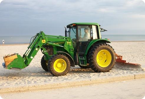 WB Beach 1 Clean up 070111b