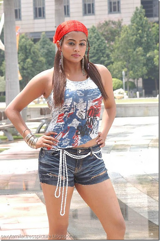 Priyamani-Stills-From-Kshethram-Movie-CF-04