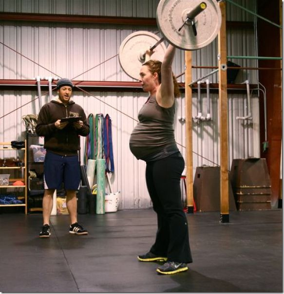 pregnant-workout-exercise-9