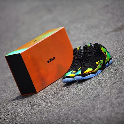 nike lebron 11 nsw sportswear ext kings crown 6 14 Release Reminder: Kings Crown LeBron 11... the Whole Package