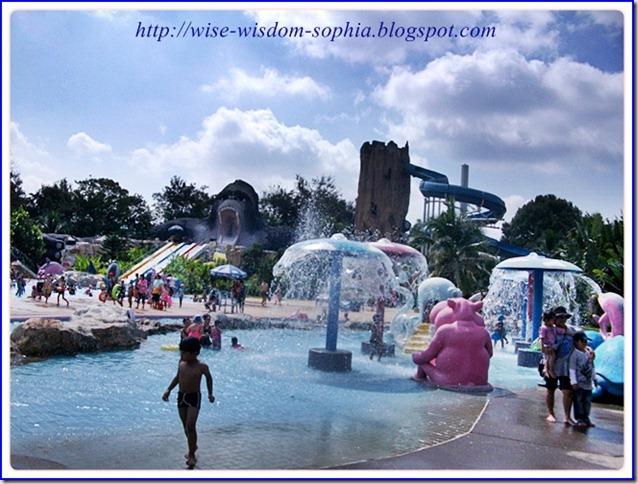 เที่ยวสวนน้ำ ในสวนสัตว์ นครราชสีมา ทะเลอีสาน