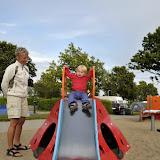 Der var selvfølgelig også en stor legeplads hvor Silje kunne rutsje, hoppe og kigge på de andre børn.