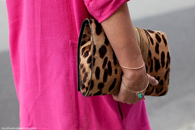la-modella-mafia-Agnès-Boulard-AKA-Mademoiselle-Agnès-street-style-Neon-Pink- -Leopard