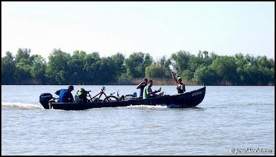 Cu barca spre Periprava