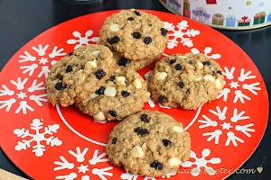 Biscoff Oatmeal Cookies with White Chocolate Chips and Dried Black Currants