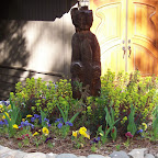 hungry bear w flowers.jpg