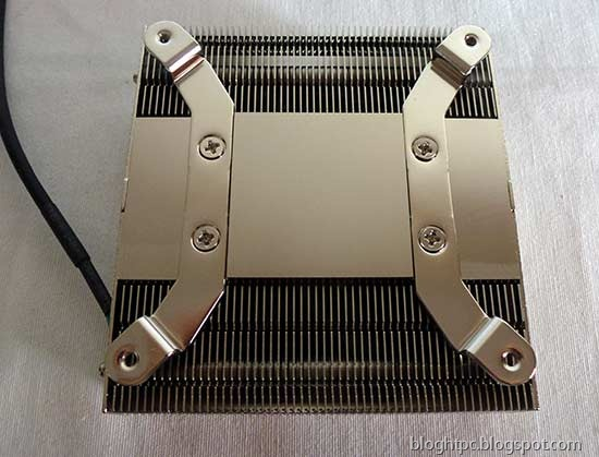 [Noctua-NH-L9I-Blog-HTPC-Base%255B6%255D.jpg]