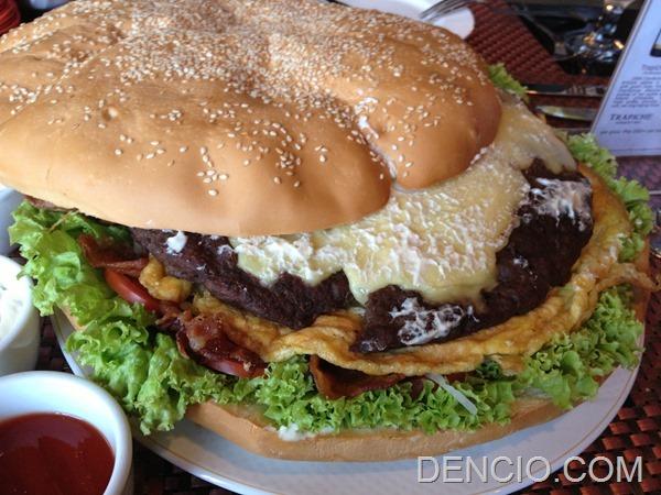 Holiday Inn Manila Big Buns Burger 3
