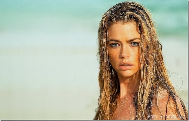 Ficar sem lavar os cabelos após banho de mar, estiliza?