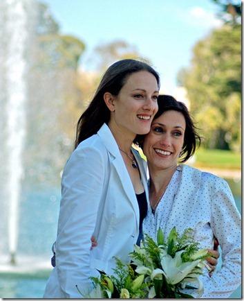 lesbian-wedding4_thumb