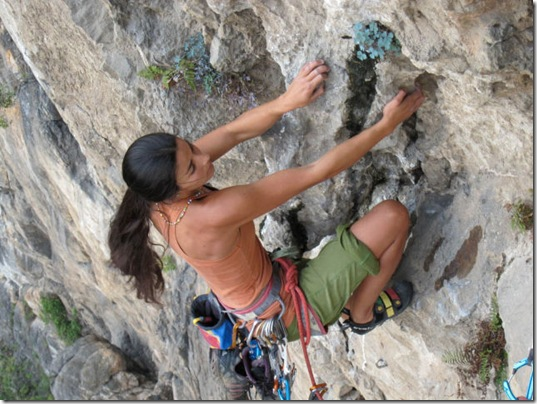 girls-rock-climbing-8