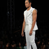 Philippine Fashion Week Spring Summer 2013 Milanos (20).JPG