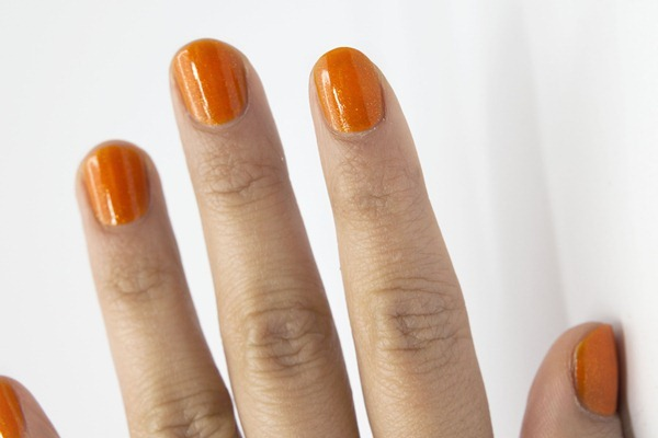 Etude_house_lucidarling_fantastic_nails_glittering_07_Tangerine_orange_swatch