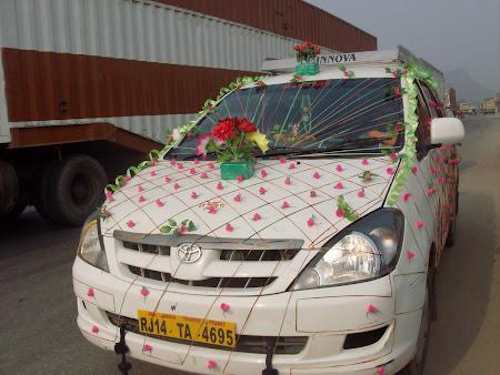 49. masina de nunta.JPG