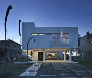 Fachada-minimalista-Casa-RA-Pablo-Anzilutti