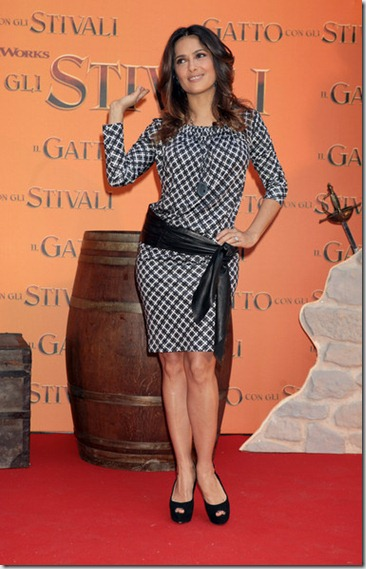 Salma Hayek Puss Boots Photocall Press Conference c7D8Y2iOaaWl