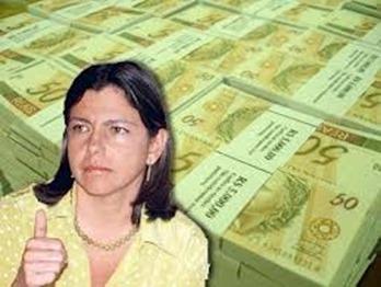 Roseana-com-dinheiro