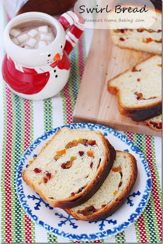 Dried_Fruit_Swirl_Bread_Recipe_Roxanashomebaking_4