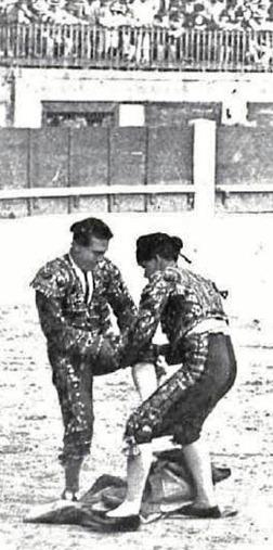 1910-07-10 (p. Nuevo Mundo dia 14) La cogida de Bienvenida Foto 02