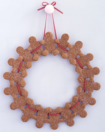 This sweet wreath looks delicious and it's an adorable addition to your home during the holidays.