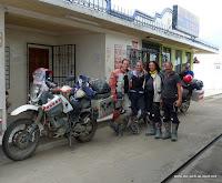 Abschied von Peter und Renate an der ecuadorianischen Grenze