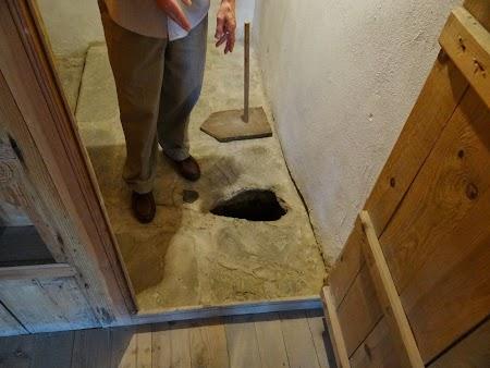 20. WC in Skenduli House.JPG