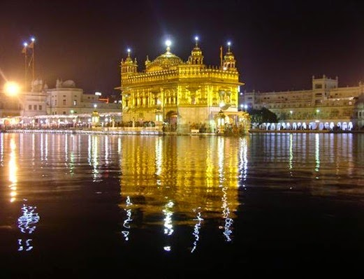 75347-Golden-Temple-at-night-Amritsar-0